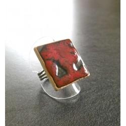 bague carré rouge et noir