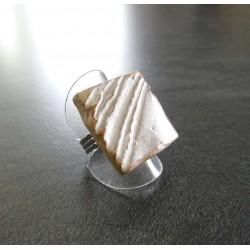 bague carré strillé blanche1